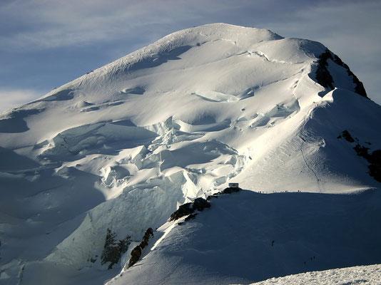 Blick vom Dôme zum Gipfel