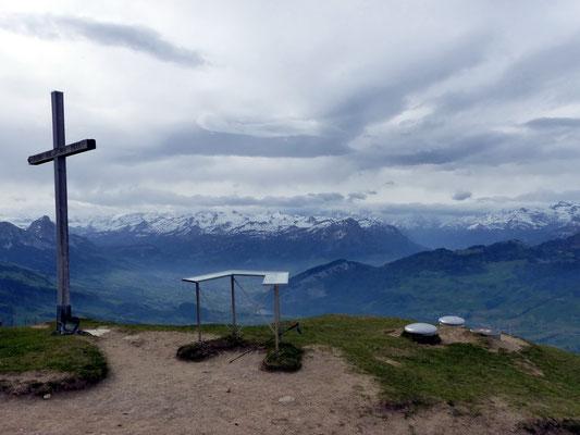 Wildspitz-Gipfelblick nach Süd
