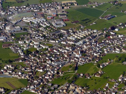 Tiefblick nach Schwyz - 516 M