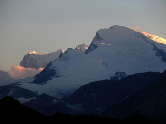 Strahlhorn vor Monte Rosa