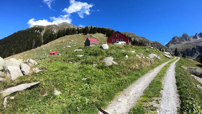 Blick zur Fuorcla - von der Alp Puzetta