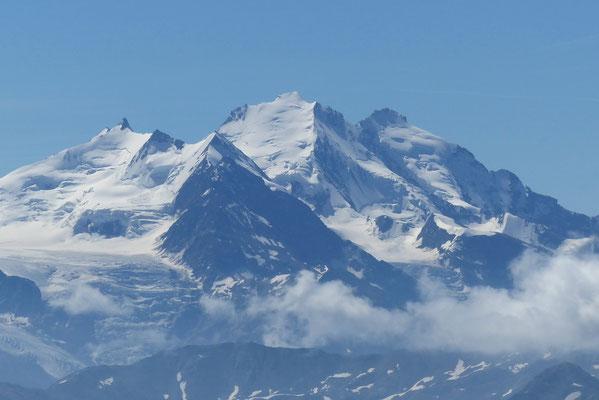 Gipfelblick: Nadelhorn, Dom, Täschhorn