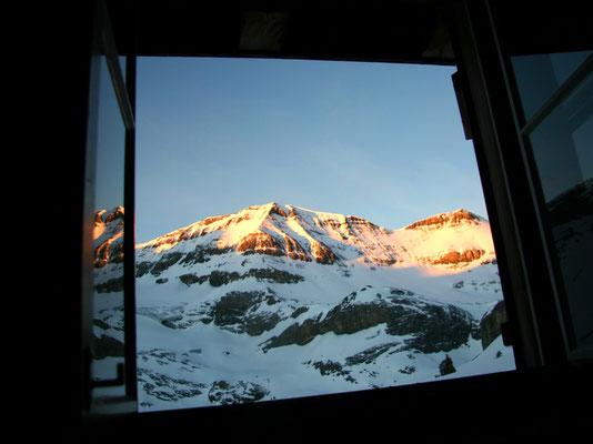 Sonnenaufgang - Schneehore