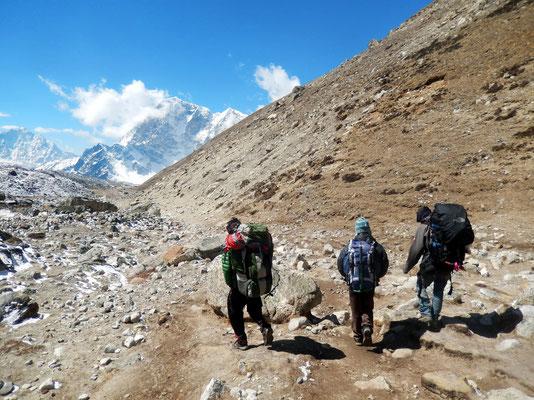 Angtensi - Bikram - Ngyma Nuru - Abstieg nach Lobuche