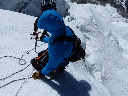 Abstieg im Steileis