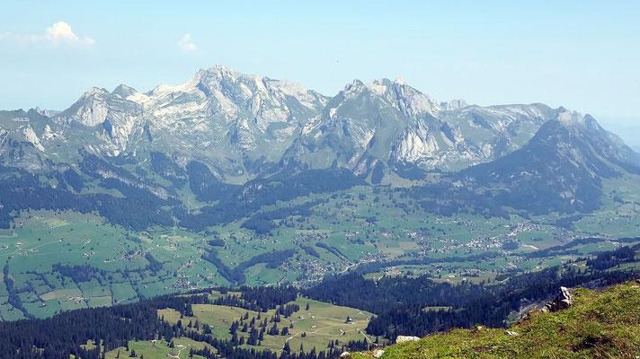 Gipfelblick - Alpstein mit Säntis und Altmann