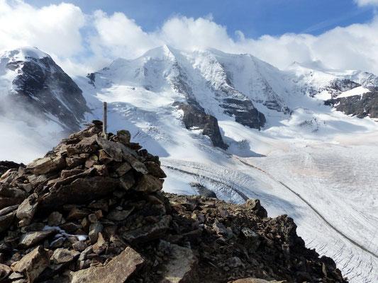 Gipfel des Piz Trovat vor Piz Palü