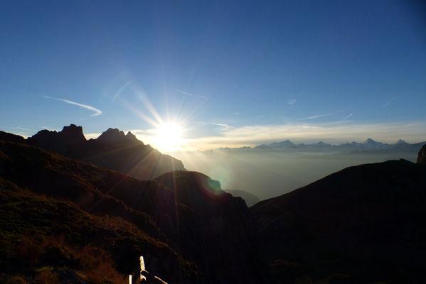 Sonnenaufgang über dem Alpenhauptkamm