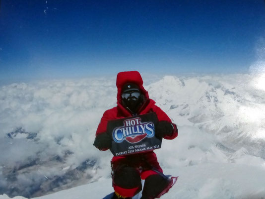 Poster - Apa Sherpa auf dem Everestgipfel