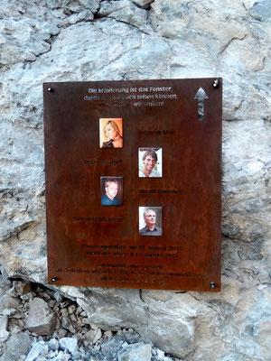 Toten-Gedenktafel - Flugzeugabsturz 2013