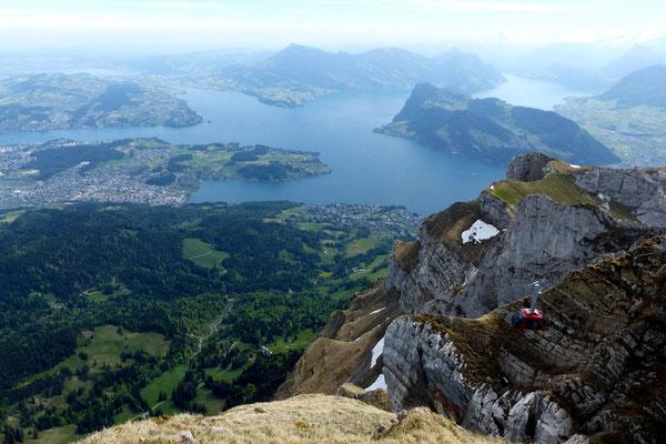 Pilatus-Gipfelblick auf den Vierwaldstättersee