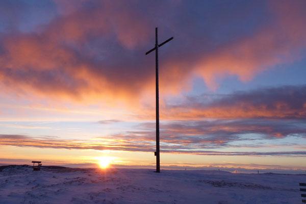 Sonnenaufgang - Gipfelkreuz