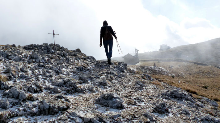 Am Gipfel des Nebenplateaus - 2063 M