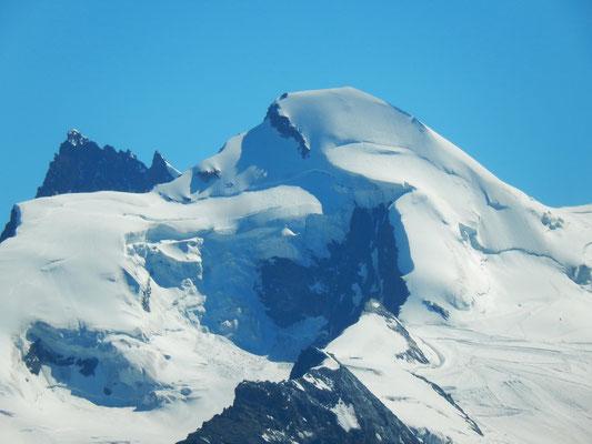 Gipfelblick - Allalinjorn vor Rimpfischhorn