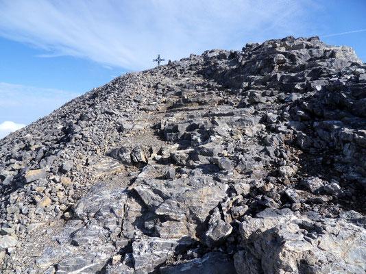 Erster Blick auf das Gipfelkreuz