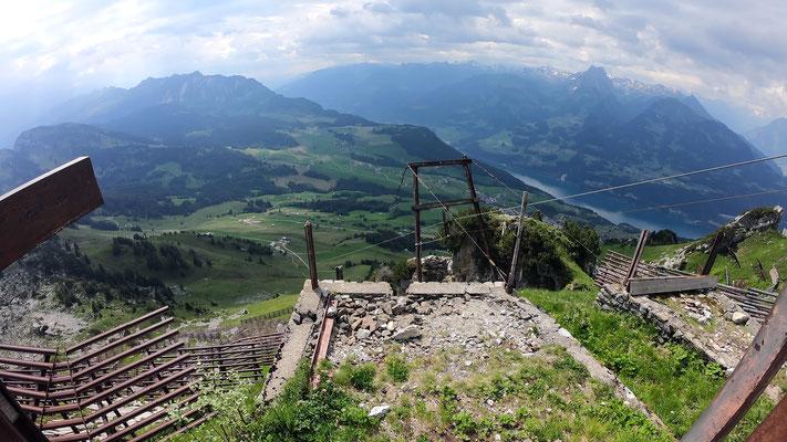 Gipfelbereich - Blick gen Süd