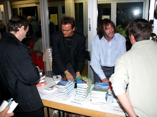 Motiv 2 - Beim Bücher verkaufen
