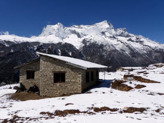 Kongde Ri 6187 m - Teng Kangpoche 6500 M