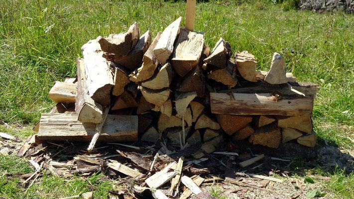 Holzstapel für Tragäde