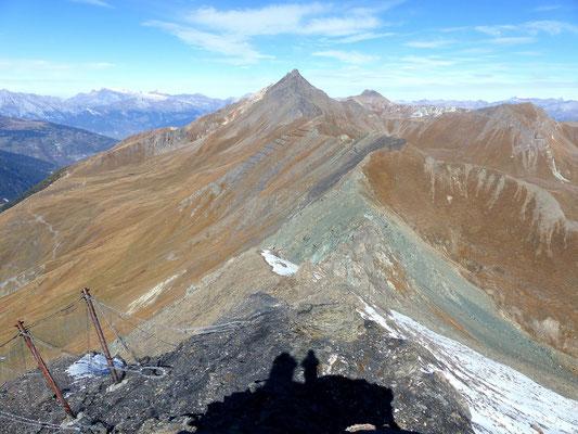 Gipfelblick - Verbindungsgrat zum Le Sasseneire