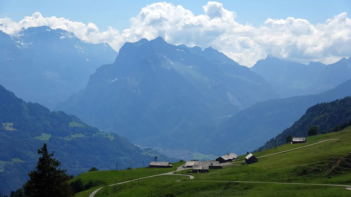 Strichboden-Alpe vor Glärnisch