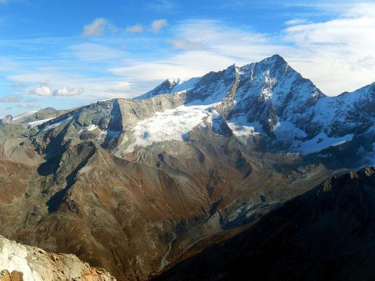 Gipfelblick - Bishorn 4153 M - Weisshorn 4506 M