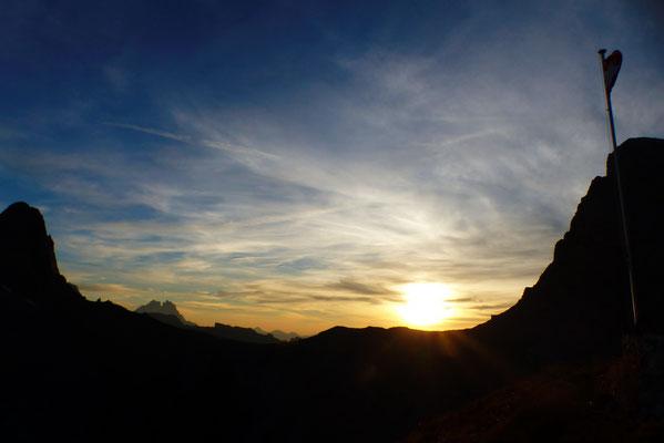 Sonnenuntergang zwischen Petit- u. Grand Muveran