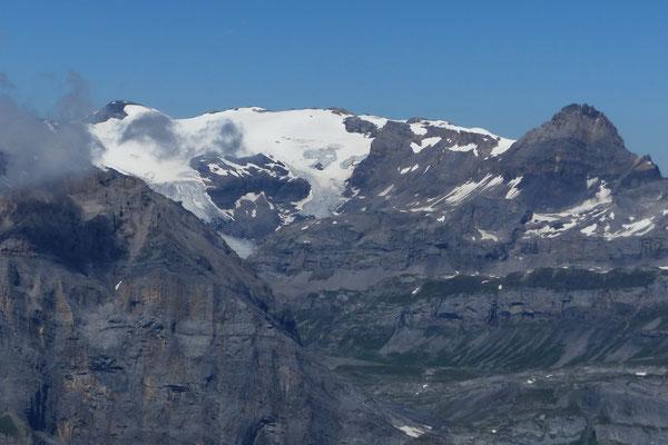 Gipfelblick: Wildstrubel, 3244 M