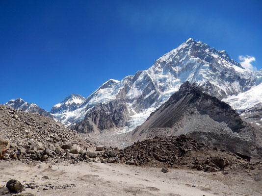 Erster Blick auf Mt. Everest-Westschulter