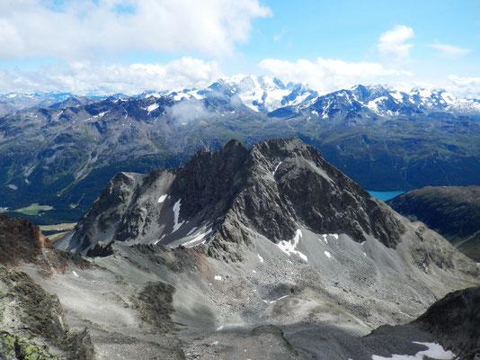 Piz Albana 3082 M - vor Bernina 4048 M