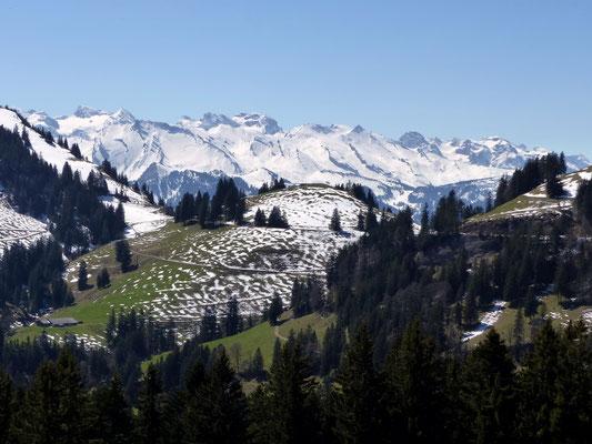Uri-Bergkette über dem Würzestock