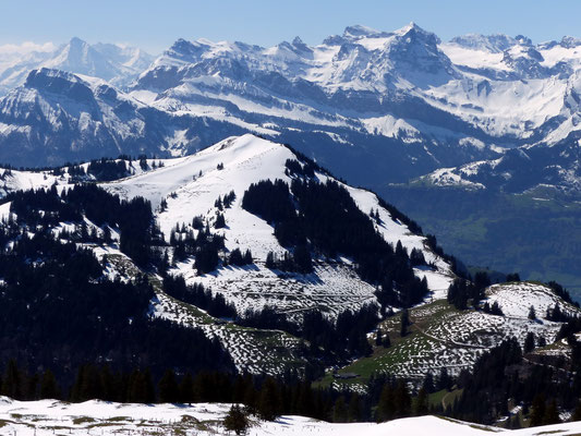 Blick von der Kulmhütte zum Dossen