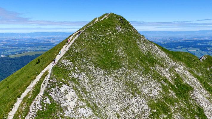 Grat zwischen Bergstation und Gipfel