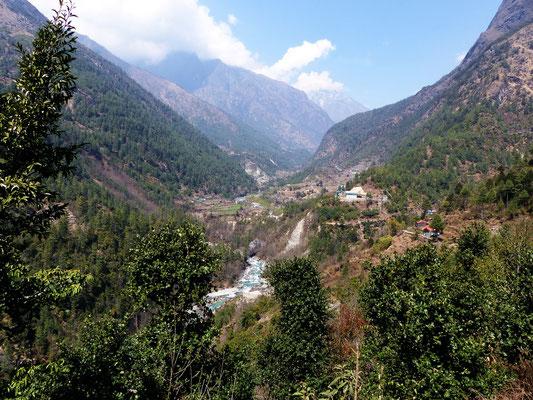 Blick ins Dudh Koshi-Tal