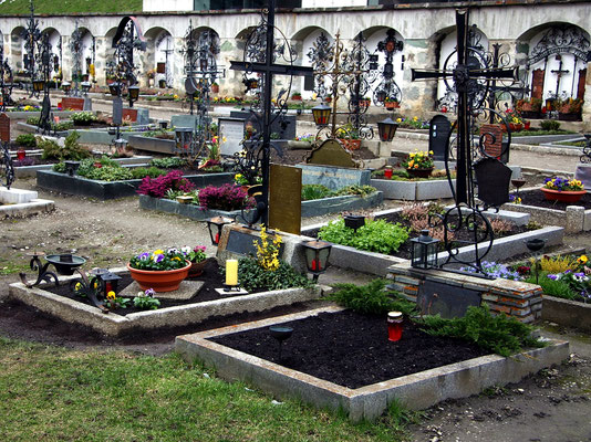 Friedhof in Huben