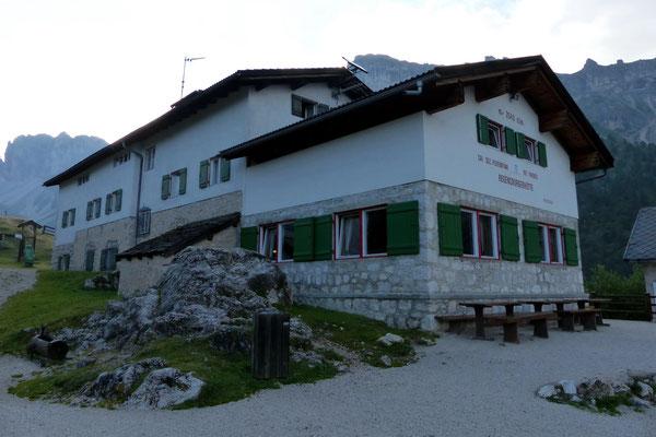 Regensburger Hütte - 2037 M