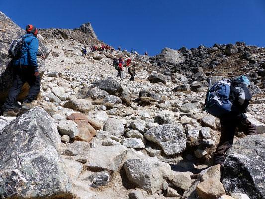 Steile Rampe vor Gorak Shep