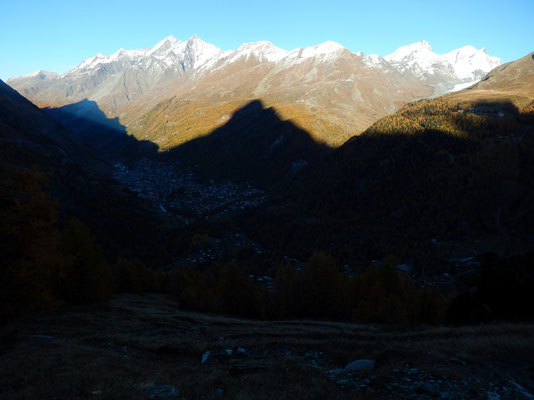 Matterhornschatten vor Mischabel