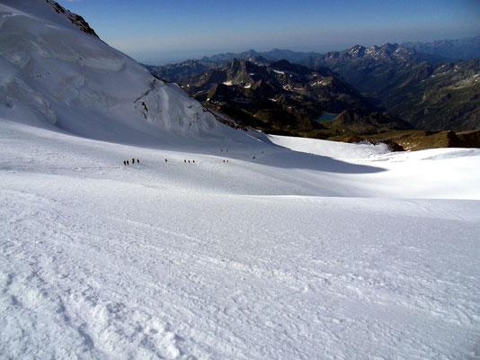 Abstieg am Lysgletscher