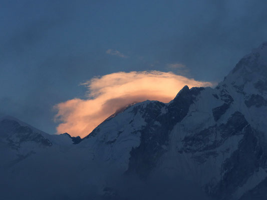 Sonnenuntergang über dem Mount Everest