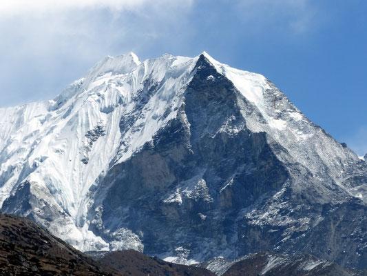 Island Peak - 6189 M