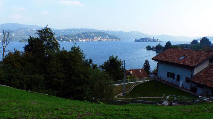 Blick von Pella auf den Lago d'Orta