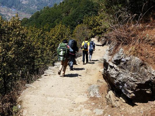 Abstieg nach Chheplung