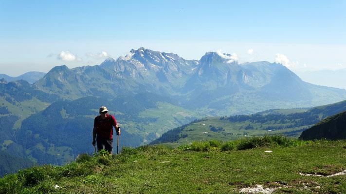 Gipfelblick: Säntis 2502 M - Altmann 2435 M
