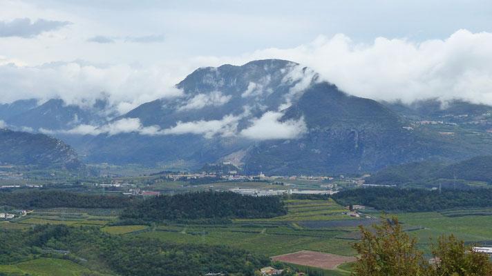 Gipfelblick zum Monte Pastello - 1127 M