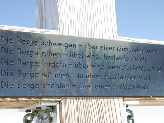 Inschrift - Steghorn-Gipfelkreuz