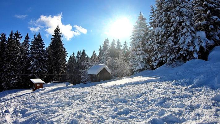 Bergstation und Schutzhütte