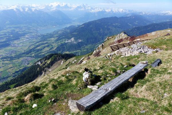 Gipfelblick - Sarnersee vor Urner Alpen