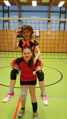 Cowgirl und Minnie Mouse