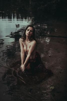 Photogravity - Milena a.rt